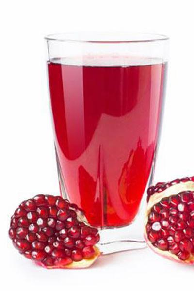 Glas med granatäpplejuice - gott och nyttigt.