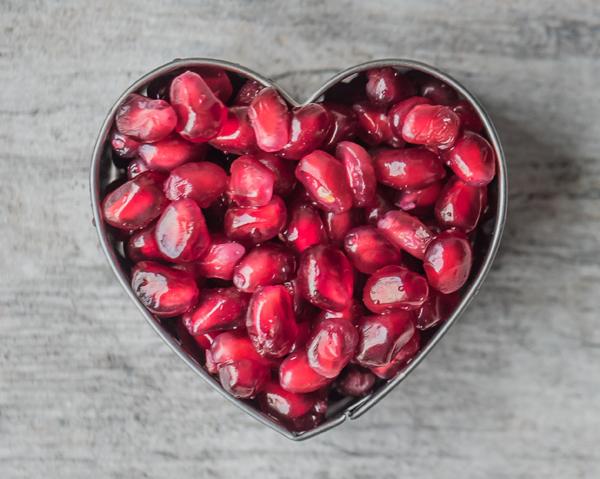 Granatäpple i hjärtform